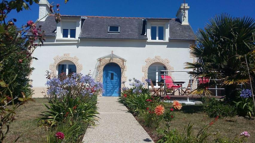 Maison de p cheur houses for rent in ploubazlanec bretagne france - Maison pecheur bretagne ...