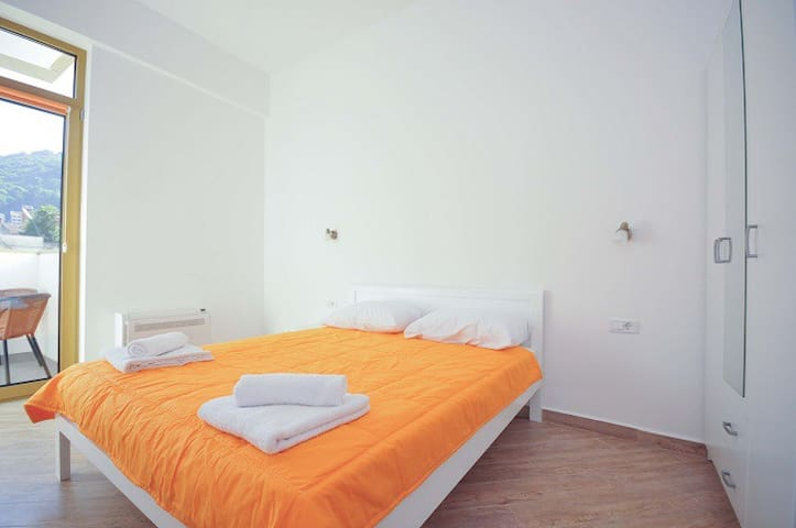 Lux Onebedroom apartment in the city centre,No.107