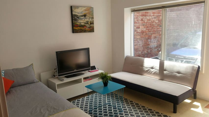 Comfortable basic accommodation - Carlton - Huis