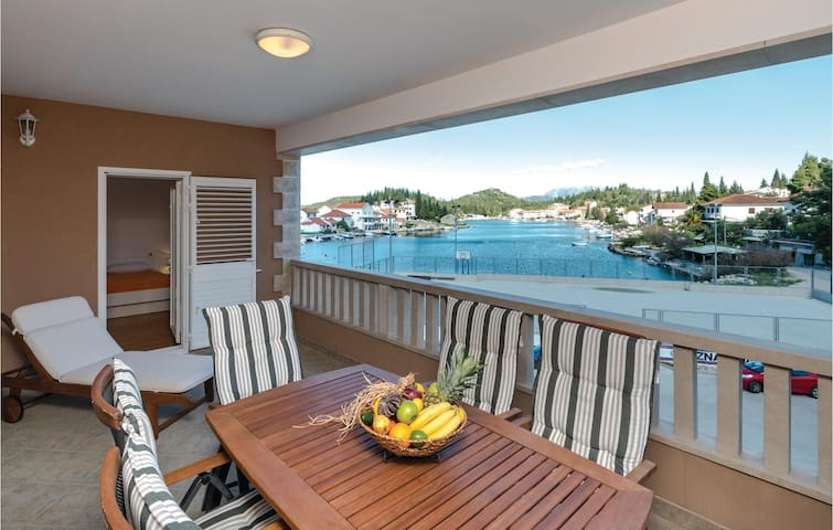 Holiday apartment with 2 bedrooms on 52m² in Blace