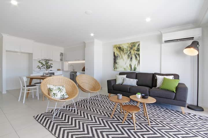 Stunning 1 Bedroom apartment in Cotton Tree