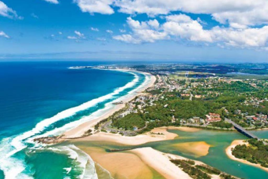 500m walk to beautiful Tugun beach
