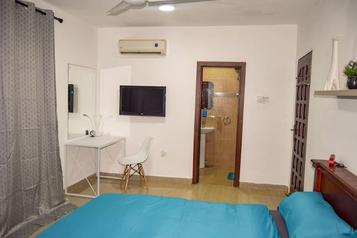 Deluxe 1 bedroom apartment + Airport pickup