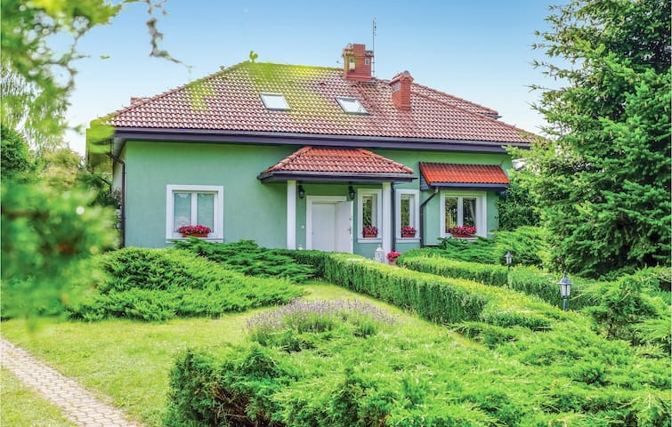 Holiday cottage with 3 bedrooms on 160m² in Brodnica Górna