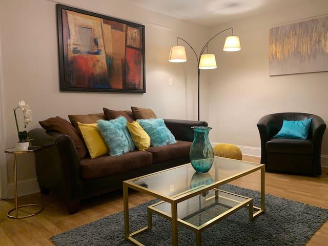 Amazing Private Third Floor Manayunk Apartment