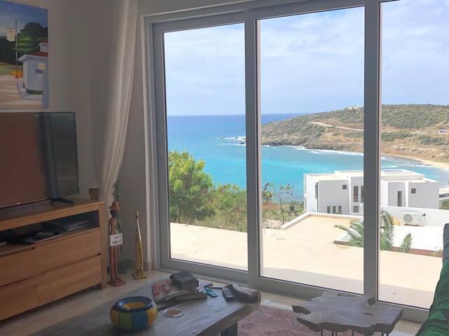 3 bedrooms villa with ocean view .