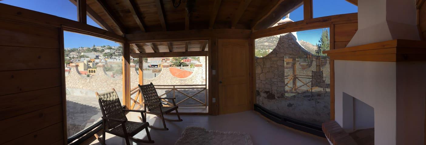 CABAÑAS BERNAL ¨ 2 PERSONAS¨ LIMA - Bernal - Cabaña en la naturaleza