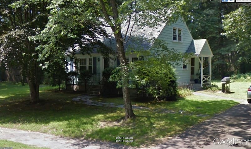 Northboro Cape-Style Home - Northborough - House