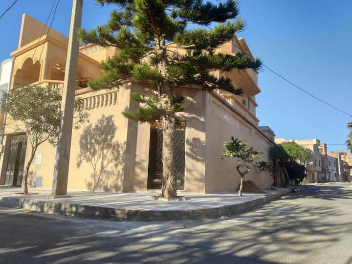 Grande villa à Bousfer Plage, Oran