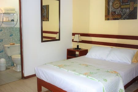 ANCCALLA GUESTHOUSE - HAB. MATRIMONIAL 2 PERS.