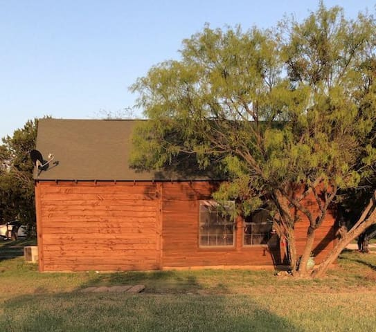 Cozy Cabin off of Hell's Gate Dr, Possum Kingdom