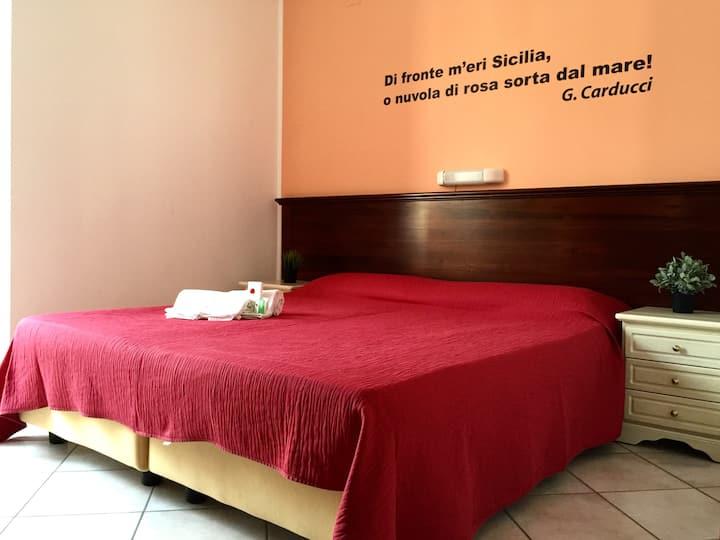 Mamamia guesthouse Lipari