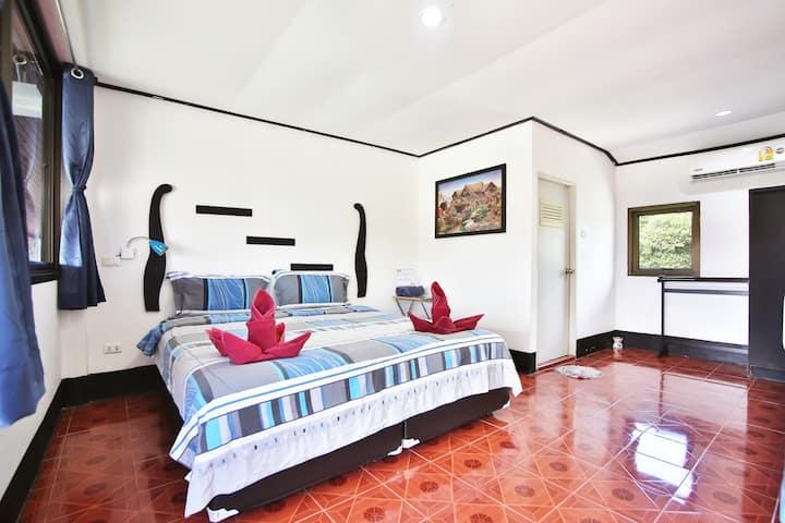 Lotus Friendly Hotel - Standard Double Room