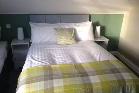 Triple room with garden view - Doolin - Bed & Breakfast
