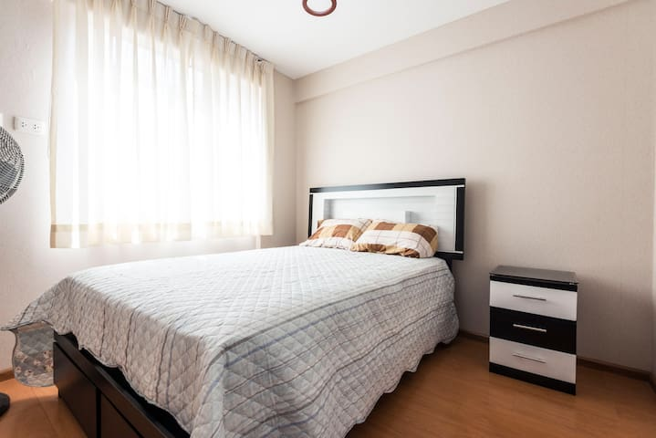 Cozy Apt close 2 Barranco w/kitchen, wifi & washer
