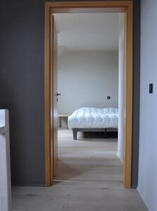 Chambre confortable avec dressing - Lägenhet