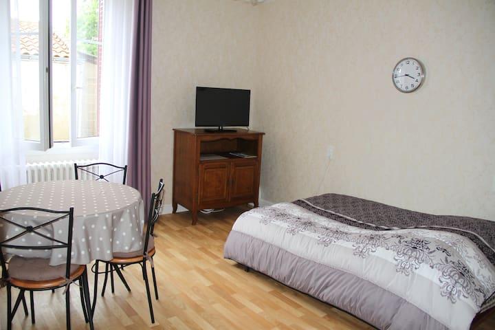 Appartement indépendant dans une maison familiale - La Chapelle-Basse-Mer - Apartemen