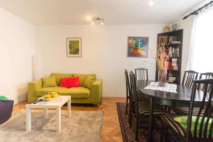 Belgrade House