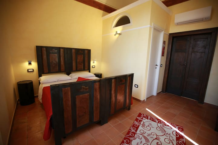 Villa Mascitti B&B, a Ruby with sea view balcony