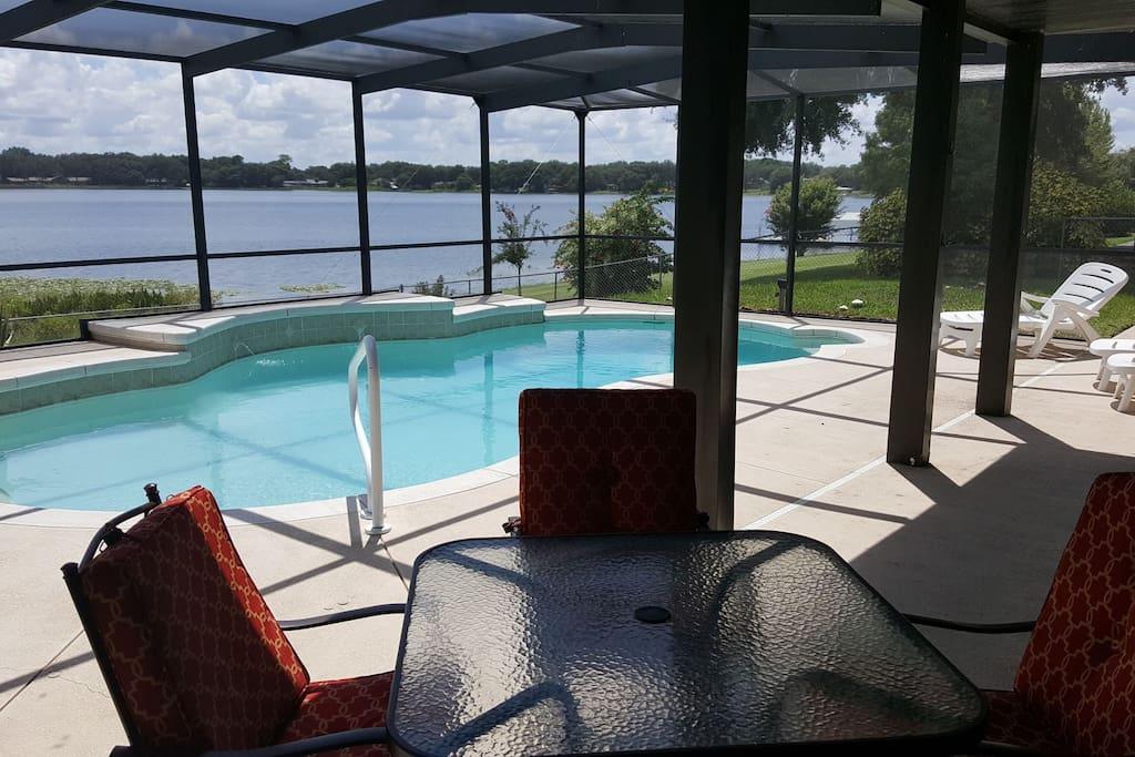 Lake Whistler pool/lanai