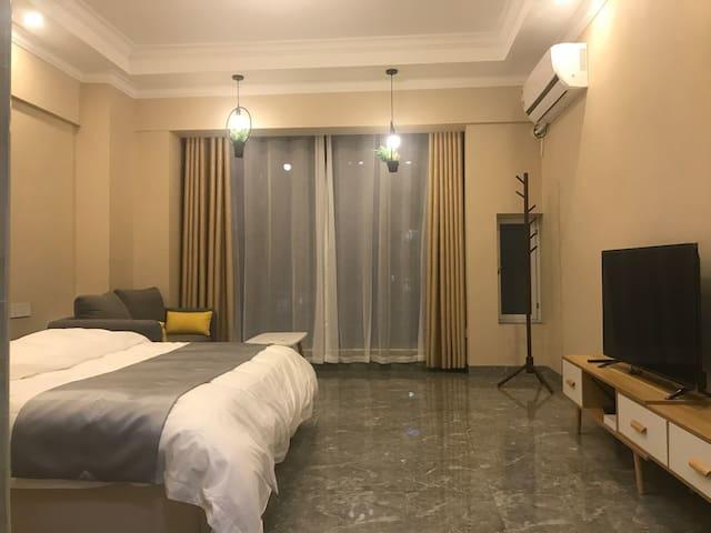 旺城广场 落地玻璃观景公寓 高层简约风