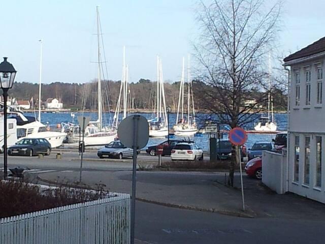 Koselig leilighet i hjertet av Grimstad