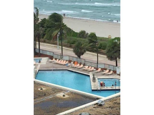 Hollywood Beach Resort Vacation Condo