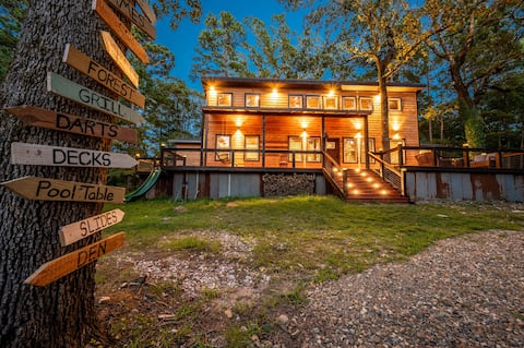 Authentic Barnwood Cabin w/Game Room & Large Deck!