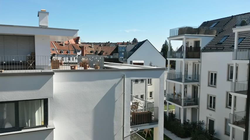 Nice and centrally located rooftop apartment - Konstanz - Leilighet