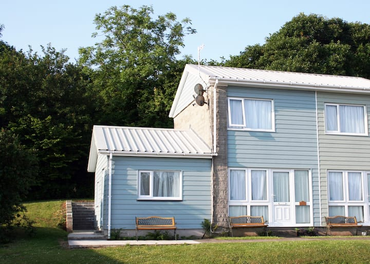 'Seashell' 3 bedroom Holiday Home - sleeps 6