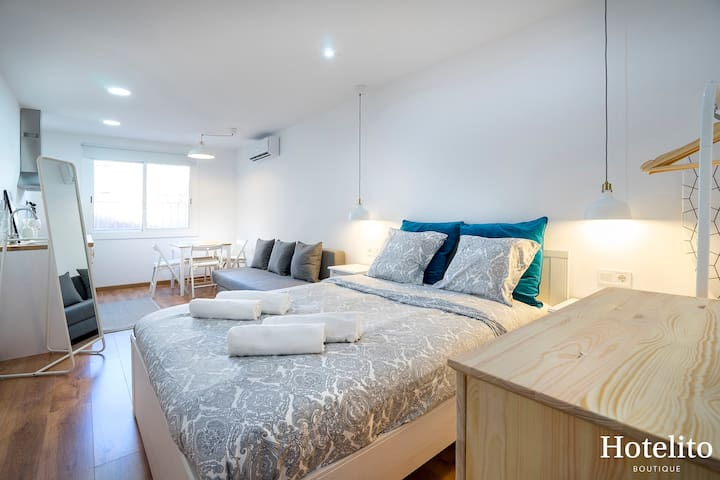 Super studio in mercat de collblanc 6 flats for rent in for Superstudio barcelona