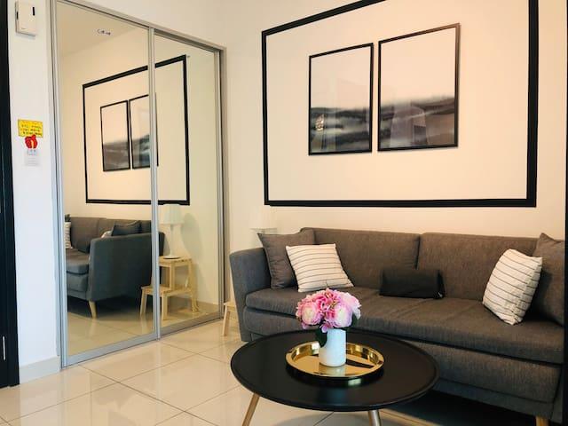 【NEW/Season Promo】 Almas Suites@Puteri Harbour #1