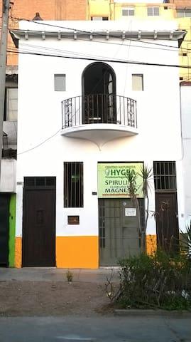Departamento zona céntrica y segura - Lima - House
