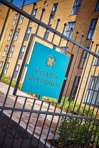 Chapel Riverside by Flying Butler 2 bed apartment