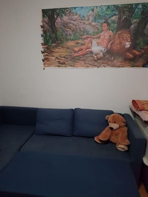 Este es el sofa cama abierto al que le pondremos sabanas y mantas