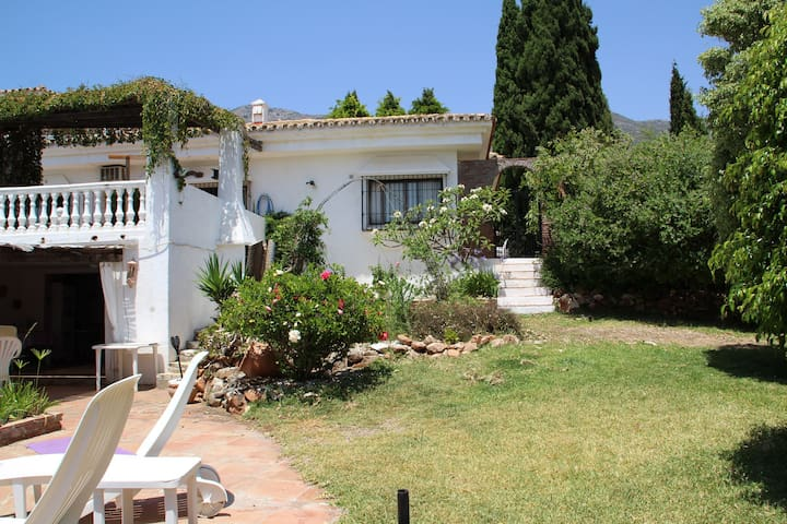 Villa Alhambra (Self Contained Apartment)