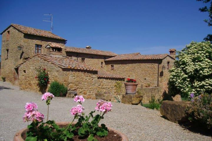 FONTE ALL OPPIO - Pienza - House
