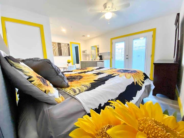 HavasuSunflower Yellow Studio By the LondonBridge
