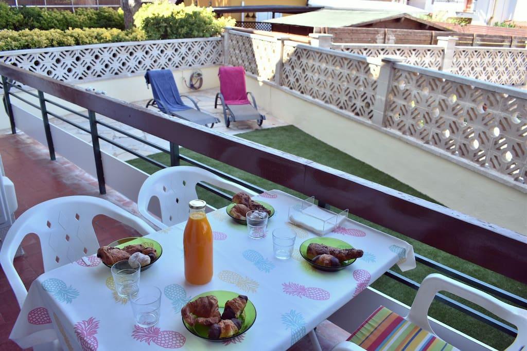Breakfast in the terrace :)