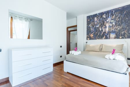 White apartment near Rho Fiera - Limbiate - Daire
