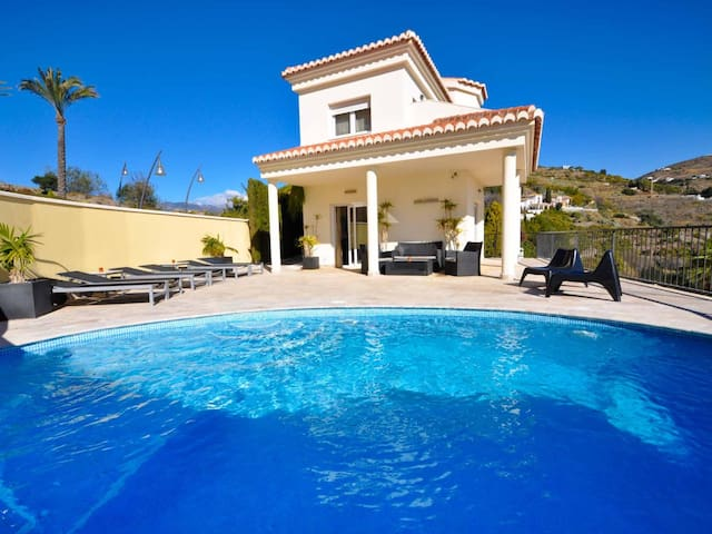 Luxury villa with pool and jacuzzi, BBQ area and stunning views