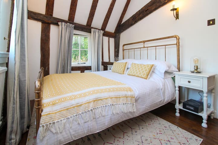 The second bedroom has a double bed and hair dryer. Fresh bedlinen, soft throws and pillows are provided.