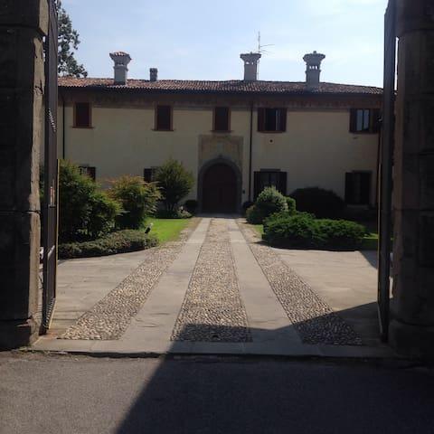 Villa padronale in corte antica: 3 camere doppie - Ponte San Pietro - Villa