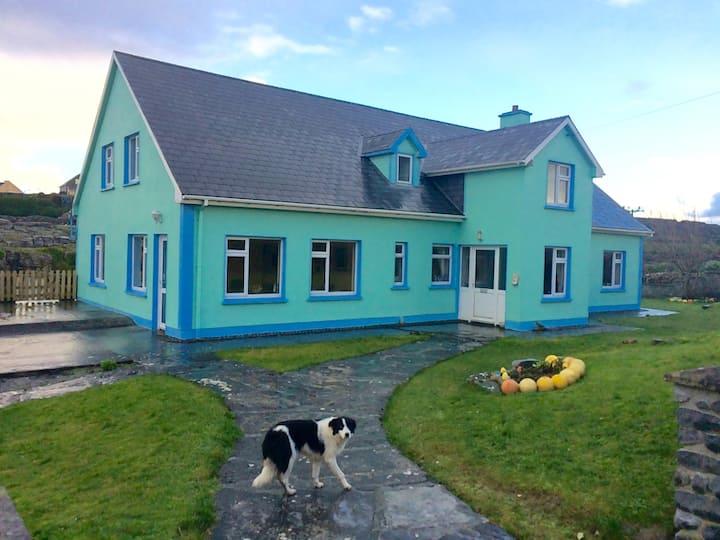 !The Mermaids Garden; Cozy, with Irish Breakfast!
