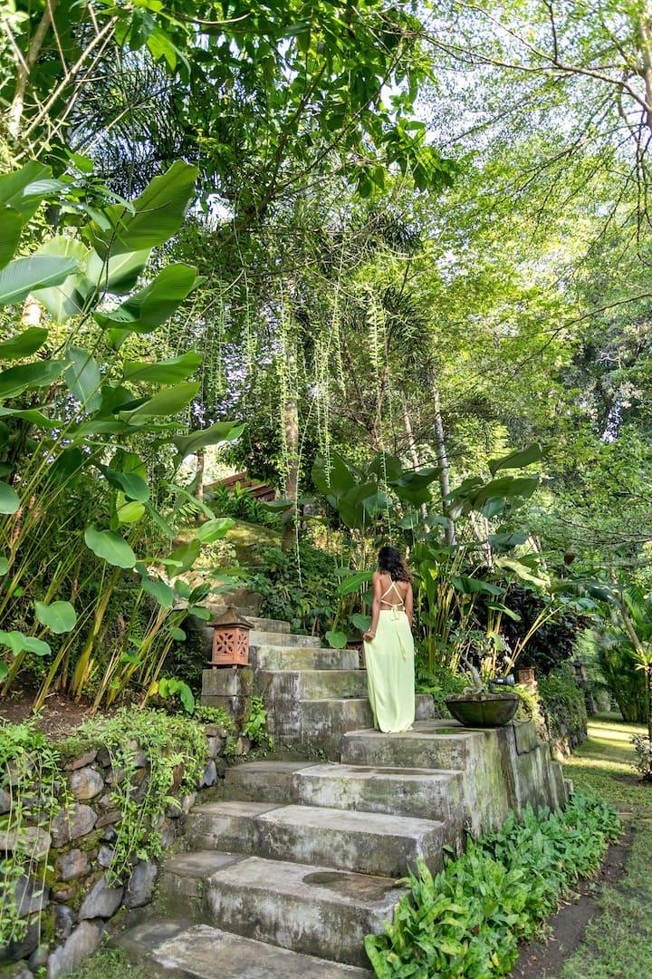 3-bedrooms Boutique villa in peaceful Cemagi, Bali