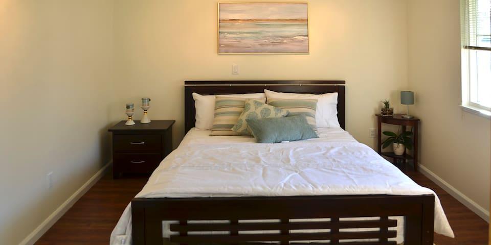 Gorgeous Maple Ridge! Private suite w/ 2 bedrooms