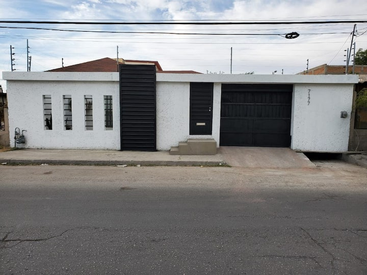 Moderno y Cómodo departamento en la Zona Dorada.