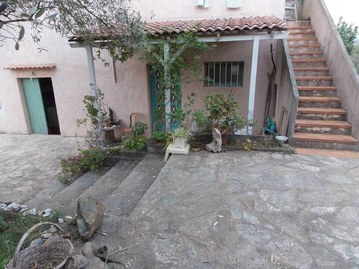Near Bastia, airport & sea, house & garden, 5 - 7