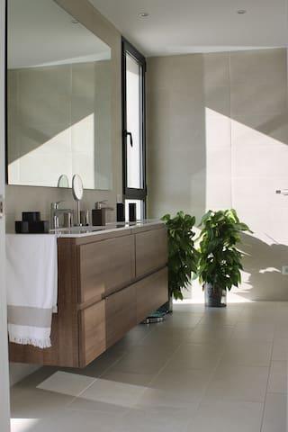 Maravillosa casa con vistas a la Bahía de Palma