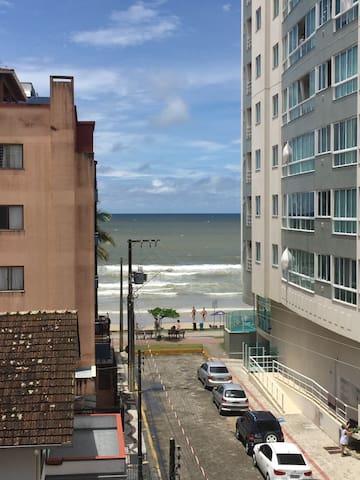 Ap em Itapema/SC a 20 passos do mar - Itapema - Flat